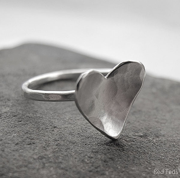 Hammered heart stacking ring - Red Ted's Jewellery