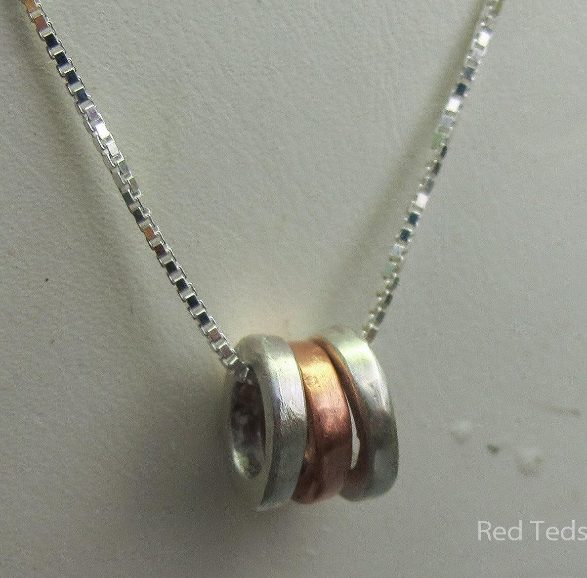 Three tiny rings pendant - Red Ted's Jewellery