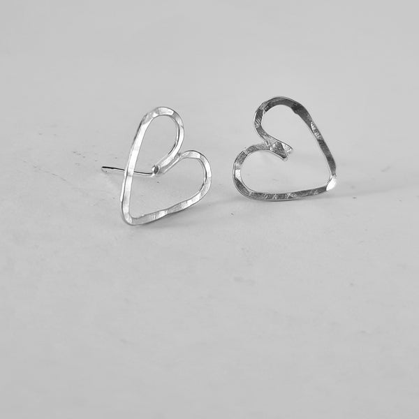 Wire heart stud