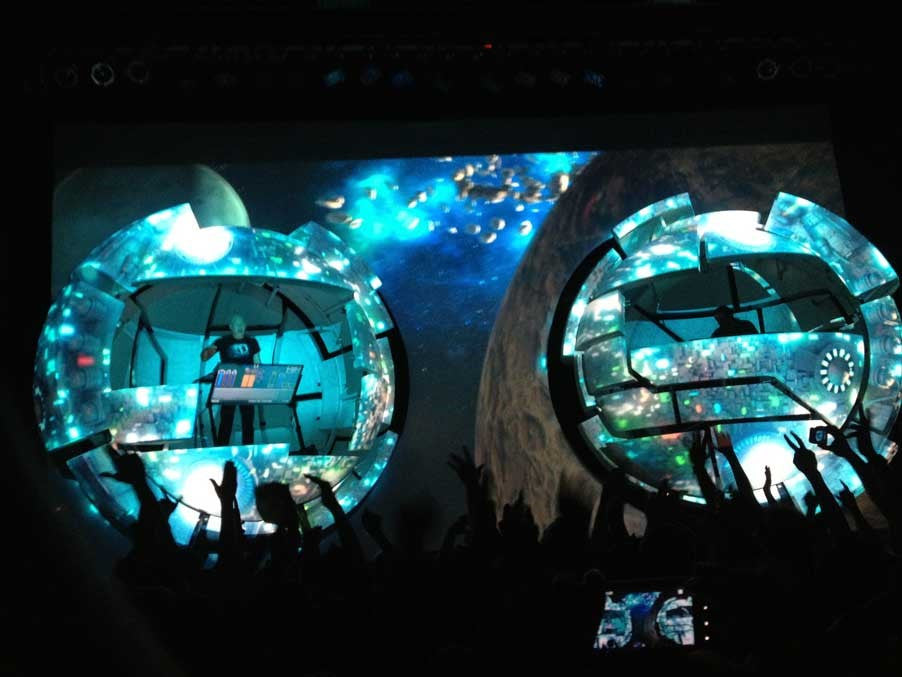 Infected Mushroom's Pods Stage