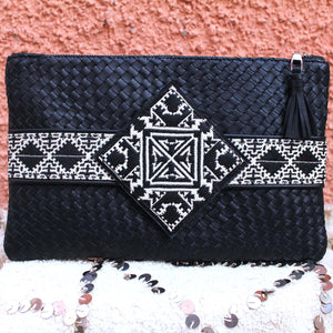 Yasmina Clutch in Braided Matte Noir