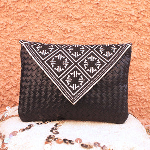 Luna Clutch in Noir