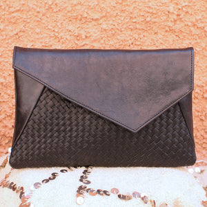 Pattie Braided Clutch in Noir