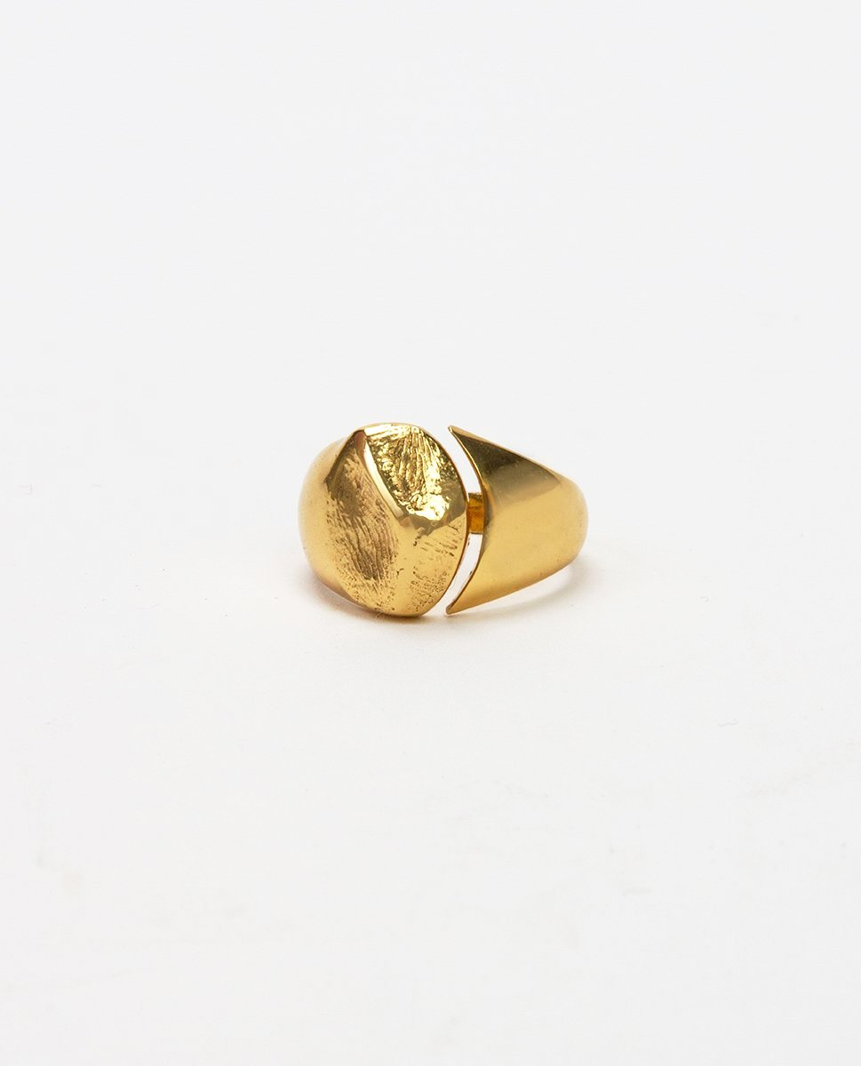 Gold ring - Cornelia Webb