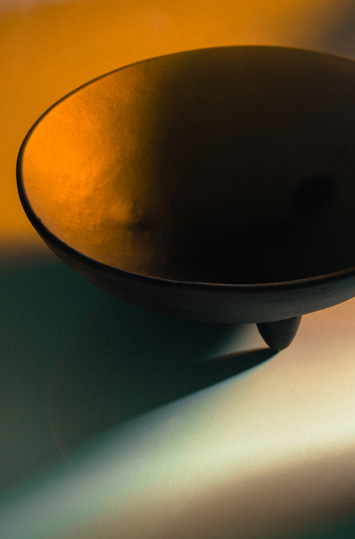 Tiptoe Bowl in Onyx