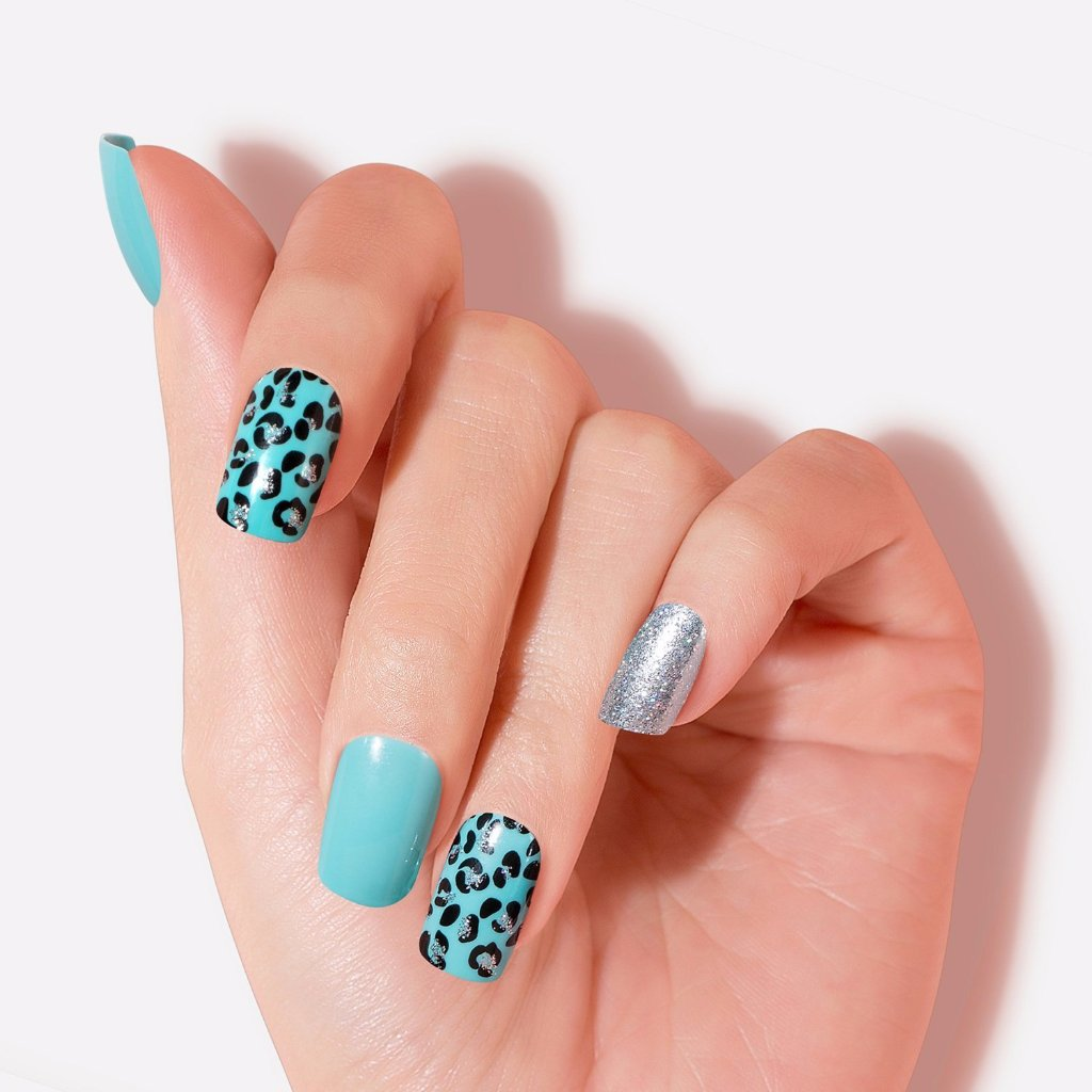 Teal Blue Pool Party Artificial False Glue On Gel Nails Medium Squoval 30 Count GN16 Close Up - Dashing Diva.jpg