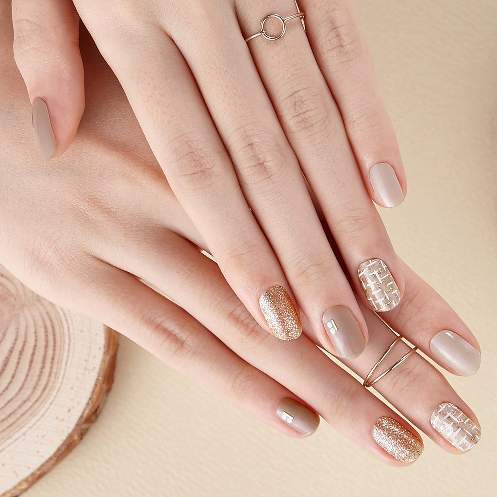 Vintage Finds | Gloss Gel Nail Strips by Dashing Diva