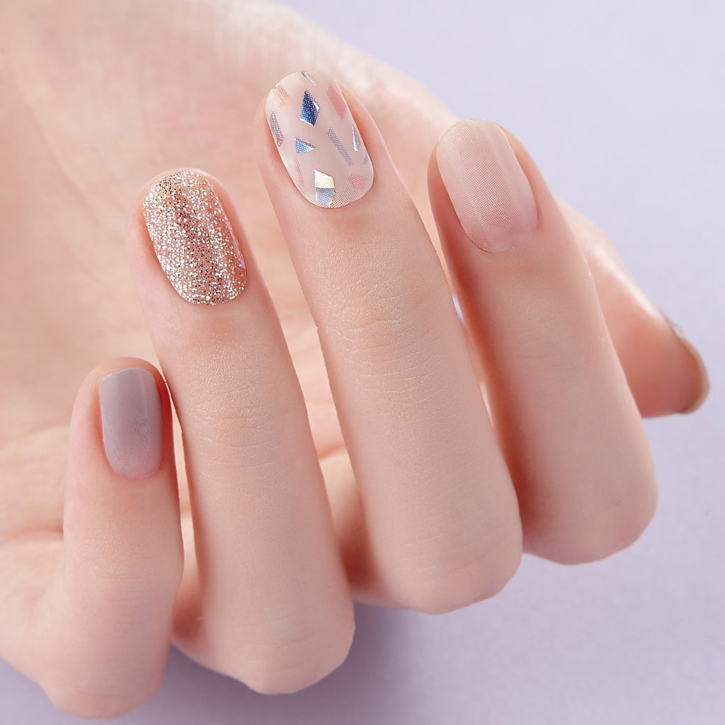Out and About | Sparkle Gloss Gel Nail Strips by Dashing Diva
