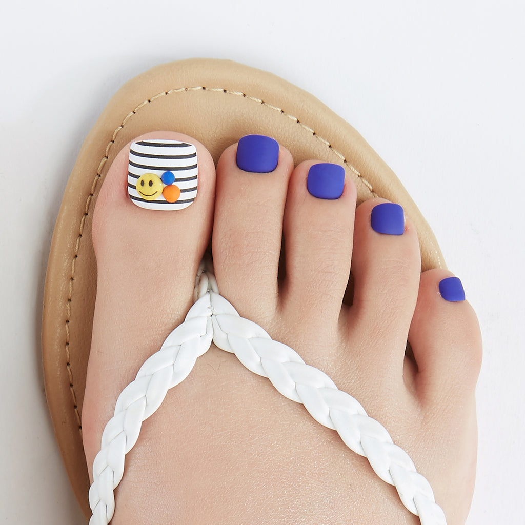 Dare to Denim | Magic Press Nails for Toes by Dashing Diva