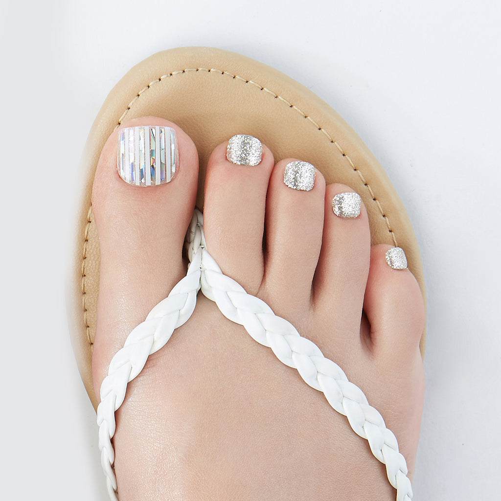Beyond the Limit | Magic Press Nails for Toes by Dashing Diva