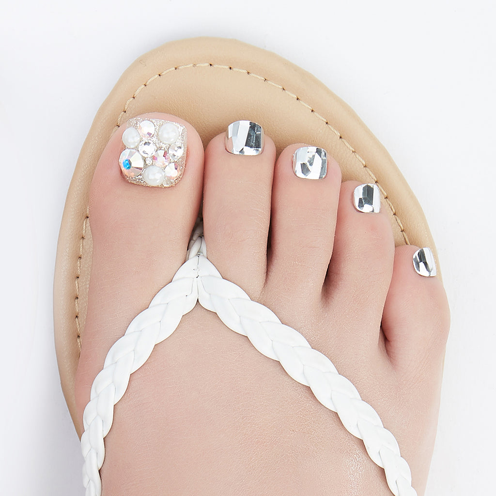 Bling it On | Magic Press Nails for Toes by Dashing Diva