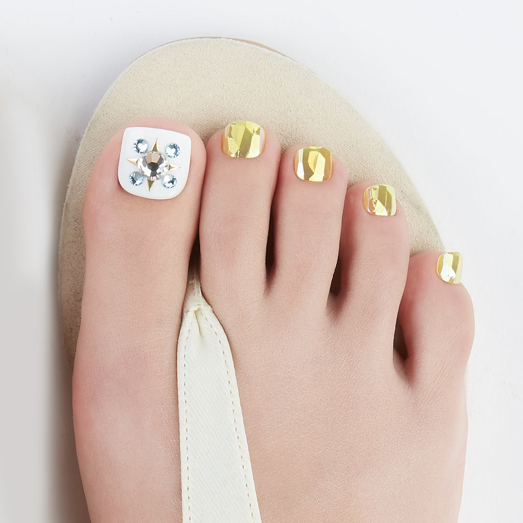 Princess Charming | Magic Press Toe Nails by Dashing Diva