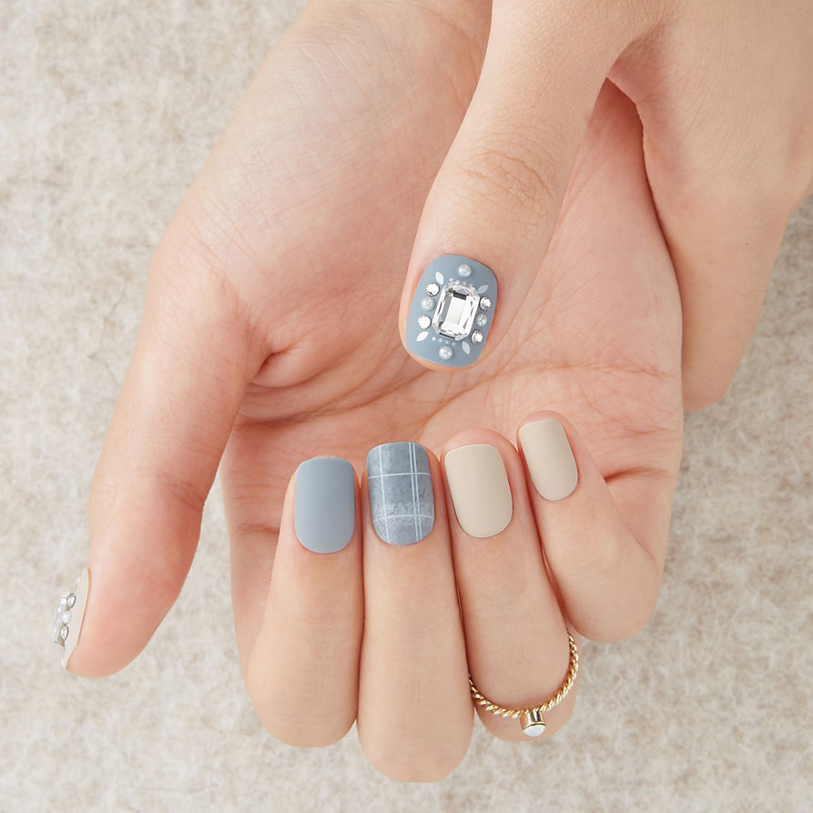In Stitches | Big Stone Magic Press Nails by Dashing Diva