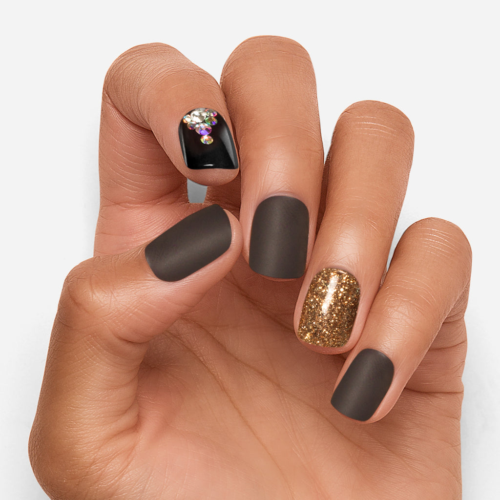 Toast of the Town | Black and Gold Magic Press Nails by Dashing Diva