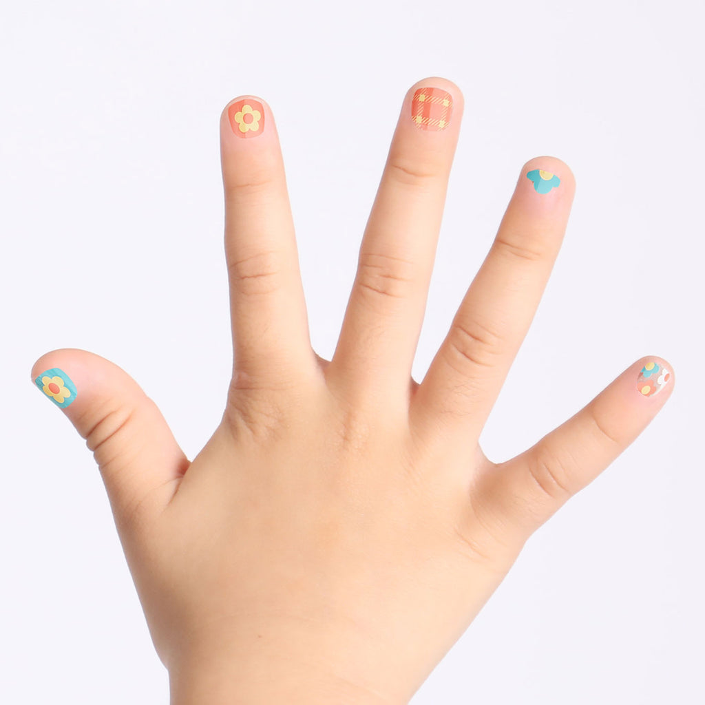 Flower Power | Magic Pick Petite Nails for Kids by Dashing Diva