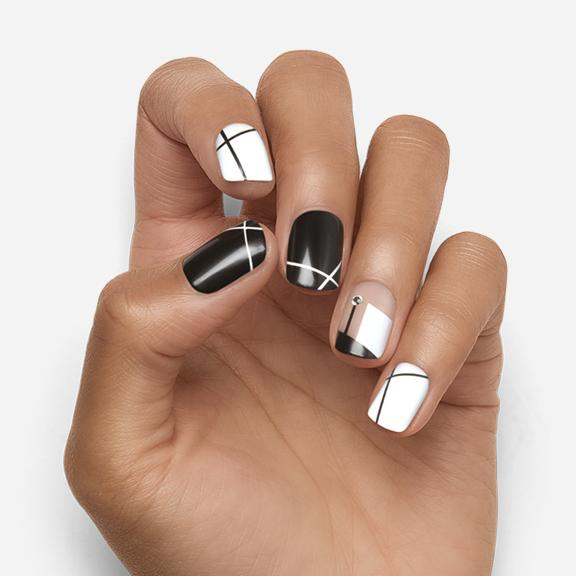 Graphic Detail | Black and White Magic Press Nails by Dashing Diva