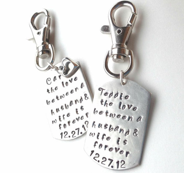 The love between a husband and wife, wedding day key chain, 1 custom key chain, for the bride and groom, just married, bride and groom gift