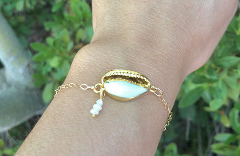 24k Gold Dipped Cowrie Shell Bracelet, Hawaiian Jewelry - Natashaaloha, jewelry, bracelets, necklace, keychains, fishing lures, gifts for men, charms, personalized,