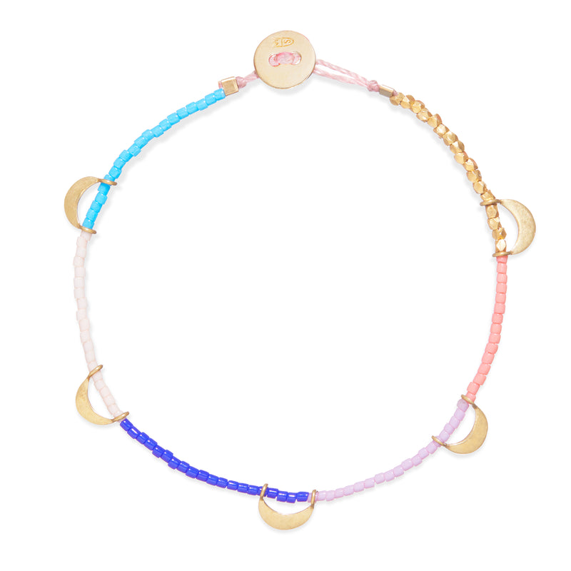 Beaded Bracelet with Luna Caravan in Gold and Rainbow