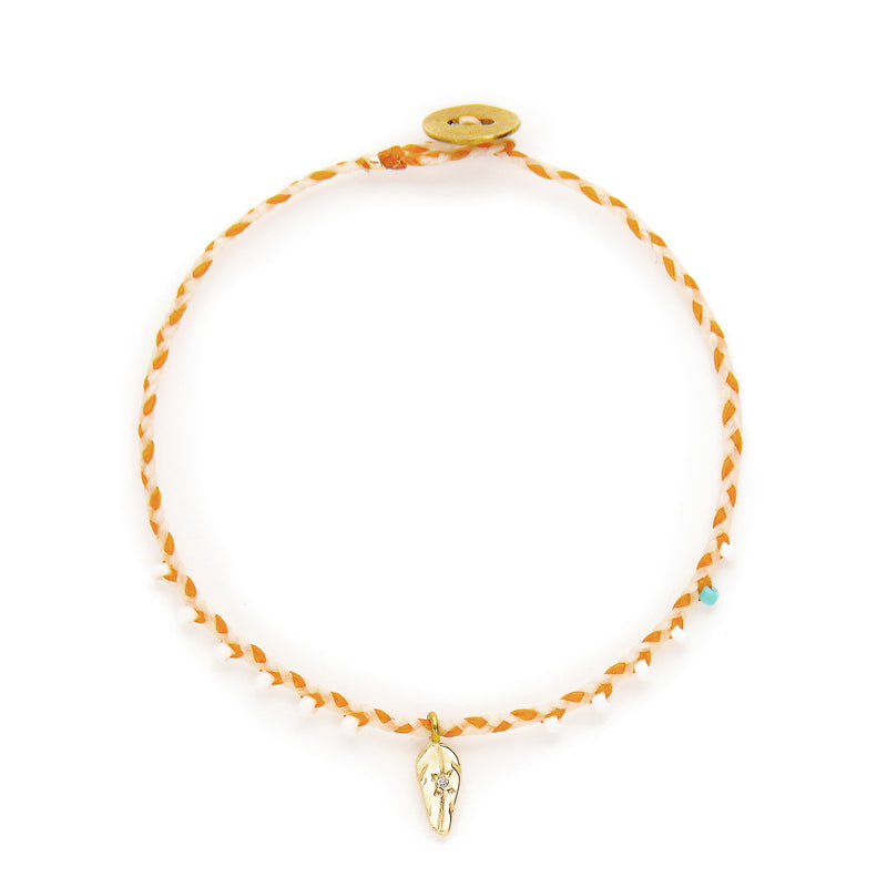 EASYGOING FEATHER CHARM BRACELET IN GOLD