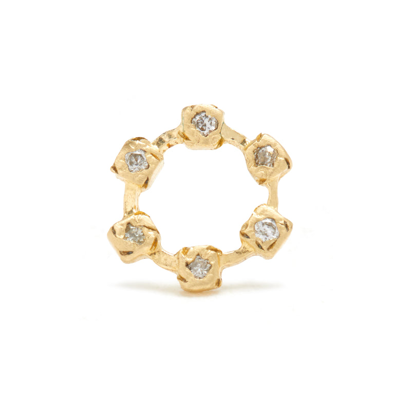 Hugging Wheel Studs in Gold with Diamonds