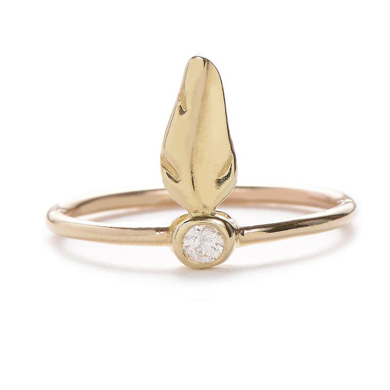 Tiny Feather Ring in Gold
