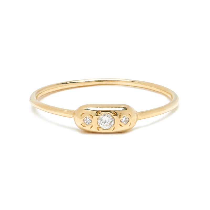 Round Eye Ring in Gold with Diamonds
