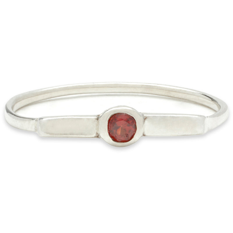 Wish Band in Silver with Garnet
