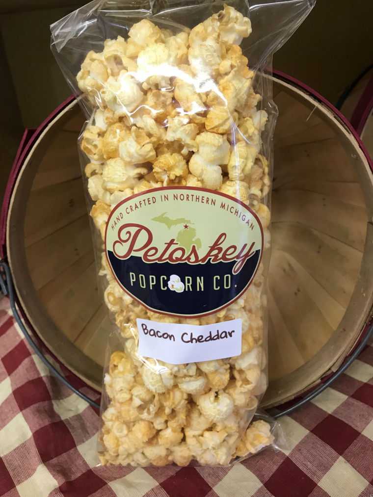 Bacon Cheddar Seasoned Small Batch Popcorn