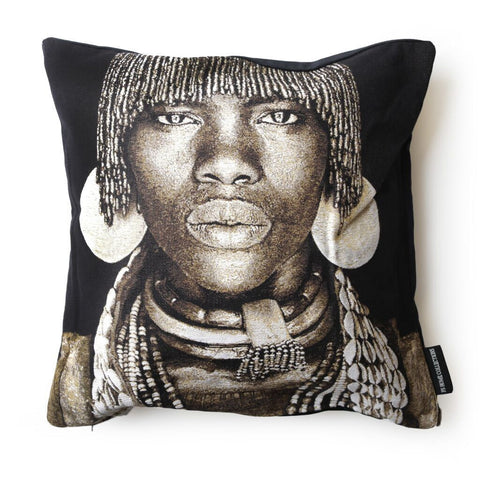 FS Home Hamar Woman Cushion Cover