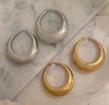 Load image into Gallery viewer, ABRIANA HOOP earrings