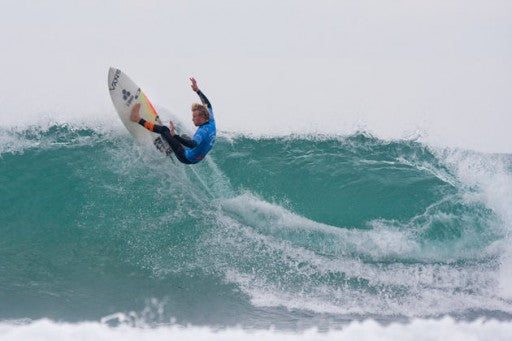 After 9 days of waiting for waves, Pat finally gets some top to bottom  waves to surf.