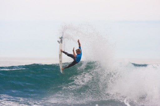 Dusty Payne blew up in his round 3 heat against Kelly Slater, netting a 9+ score on his first ride. He backed it up with a medium range score and wasn't able to put Kelly away.
