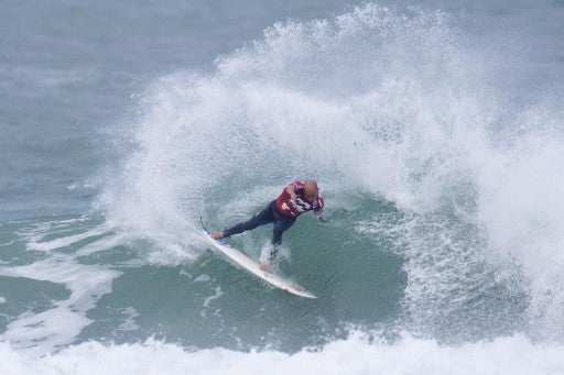 Nine-time ASP World Champion and current ASP World No. 2 Kelly Slater (USA), 38, displayed a lethal performance in his Round 2 heat to secure a Round 3 berth.