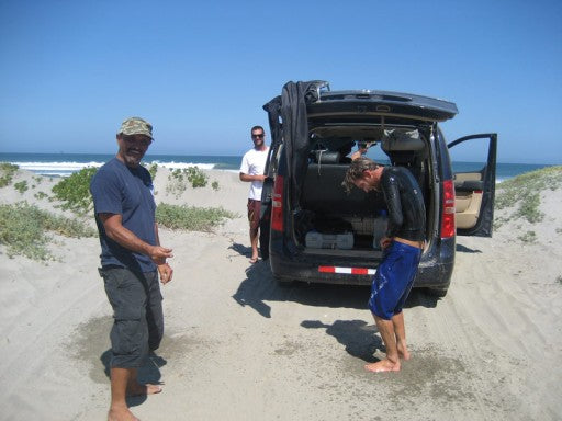 Untying a knot in your trunks has never been so much fun, Pulpo has had us laughing all day long, the guy never stops!