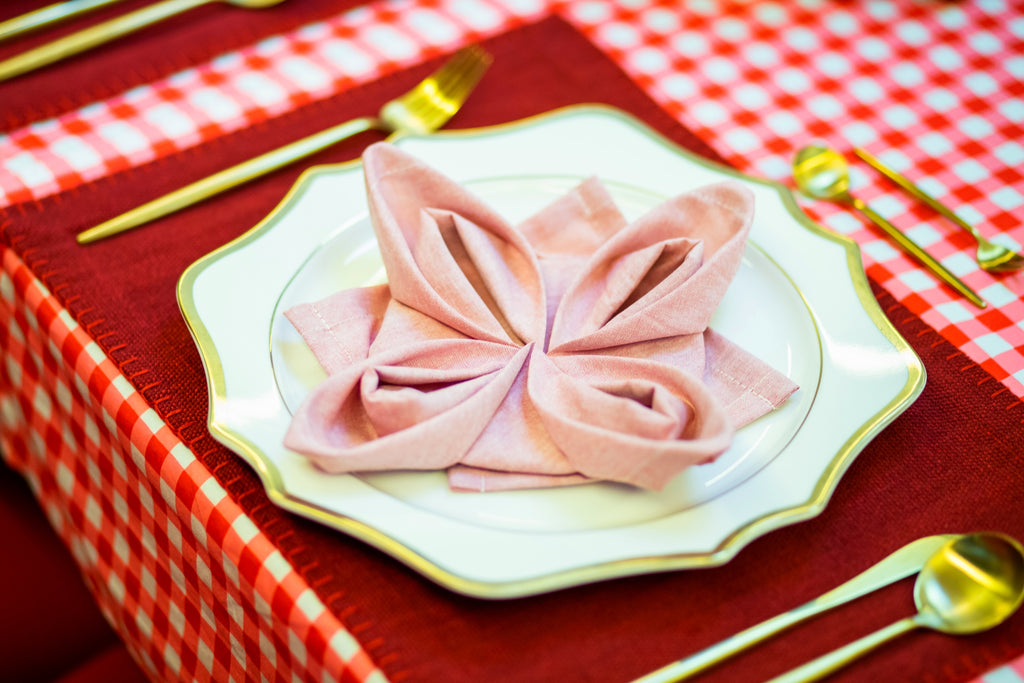 How to fold a lotus flower napkin