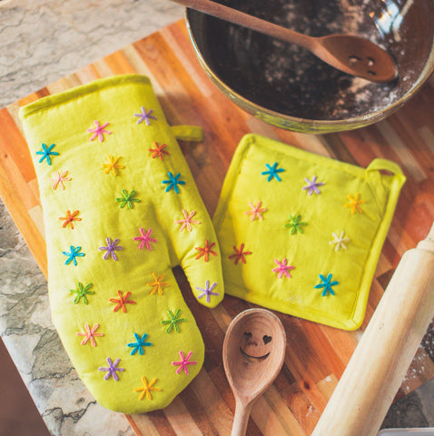Special Listing for Annie: 2 Susan Oven Mitts - Yellow Linen