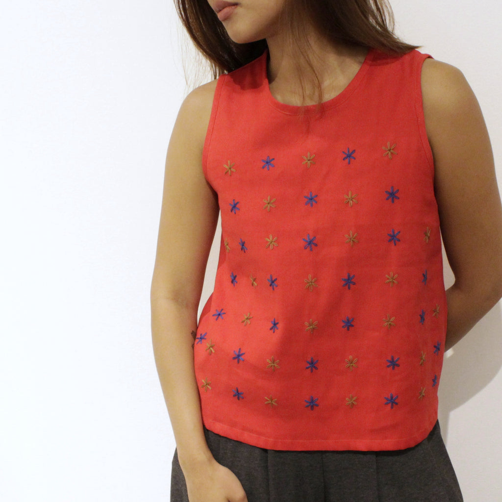 Sarah Sleeveless Shirt - red twill