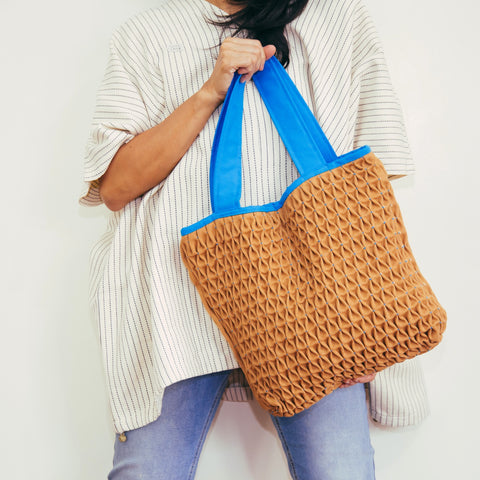Honeycomb Tote Bag - tan & aqua