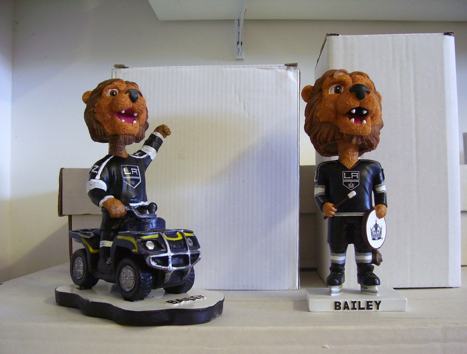 L.A. Kings Bailey the Lion Mascot Bobblehead Set - BobblesGalore