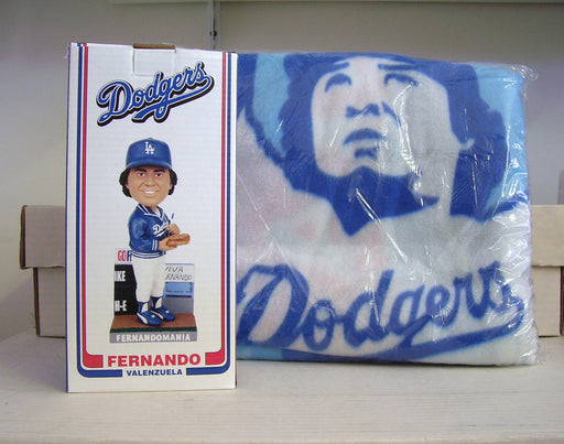 Fernando Valenzuela Bobblehead and Blanket Set - BobblesGalore