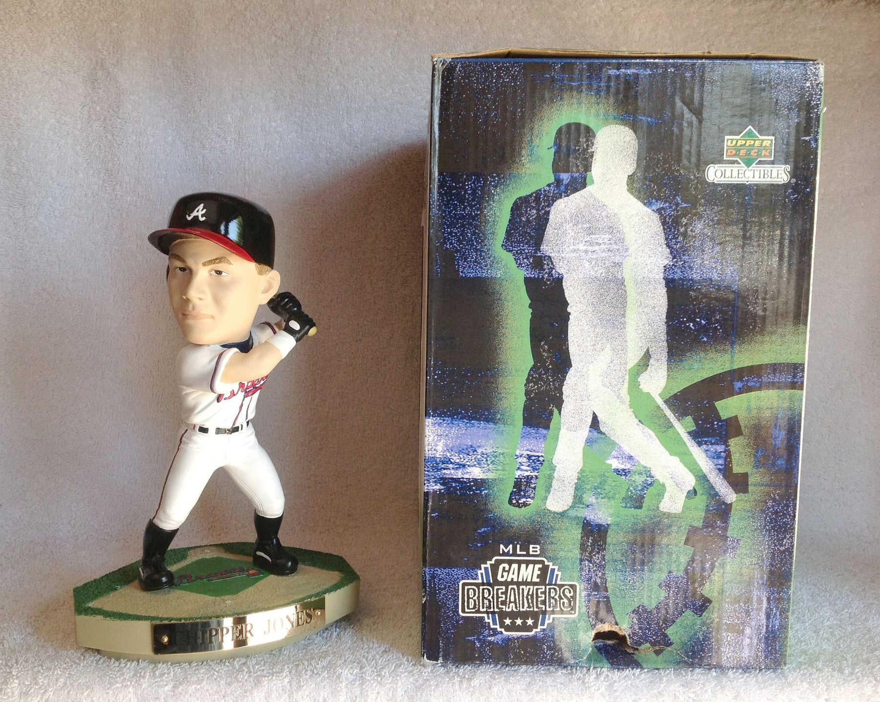 Chipper Jones Statue - BobblesGalore