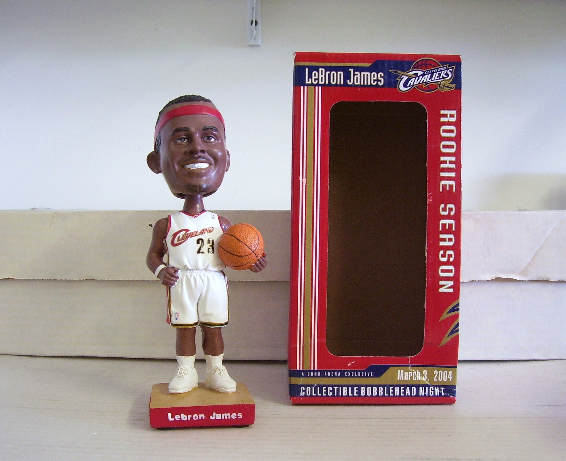 Lebron James ROOKIE Bobblehead - BobblesGalore