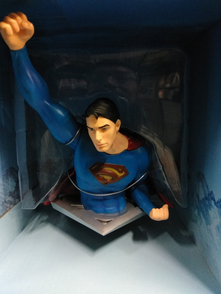Superman Flying pose Exclusive DC Direct Statuette  Bobblehead