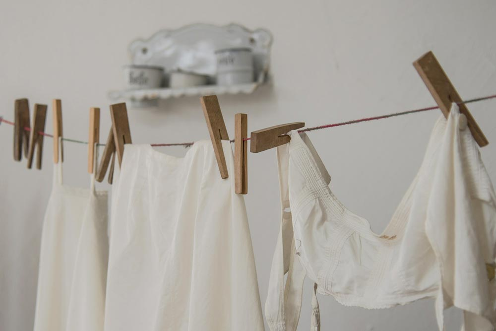 10 Tips on Washing Vintage Clothing