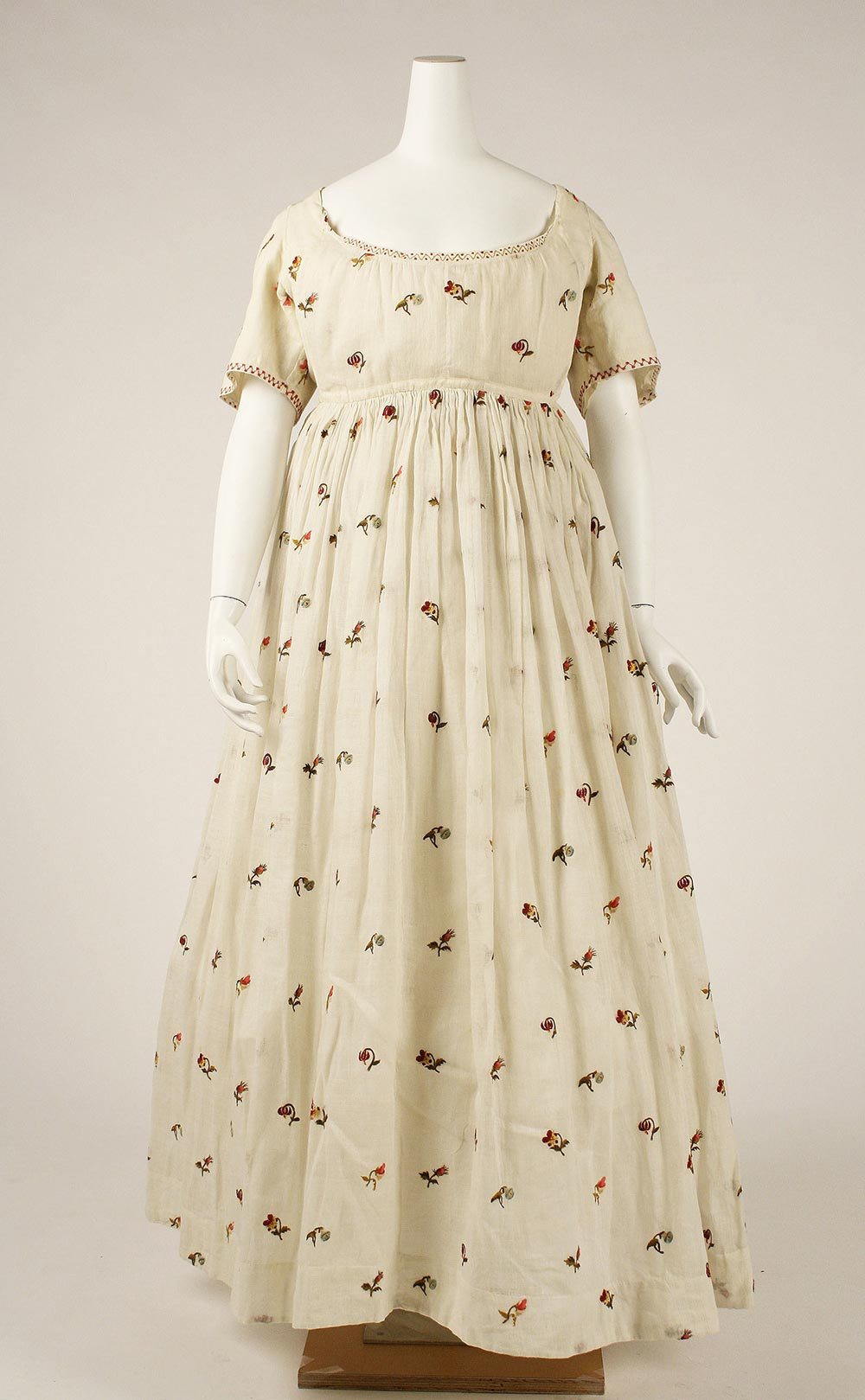 Early Regency 1796-1798 Floral Embroidered Cotton Gown