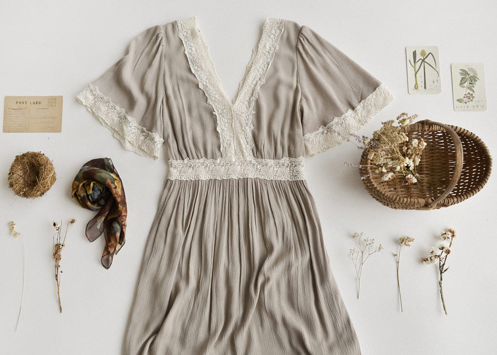 Romantic Vintage Prairie Inspired Style / Adored Vintage Women's Clothing Boutique