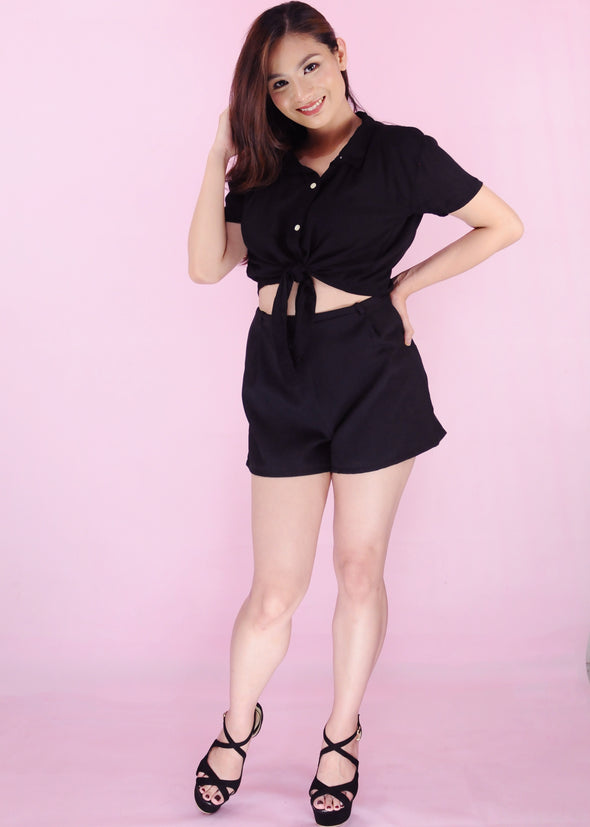 Vanille Top - Black Collar Button Down Self Tie Top