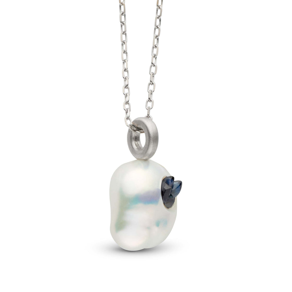 Blue Saphire Point Pearl Mini Pendant