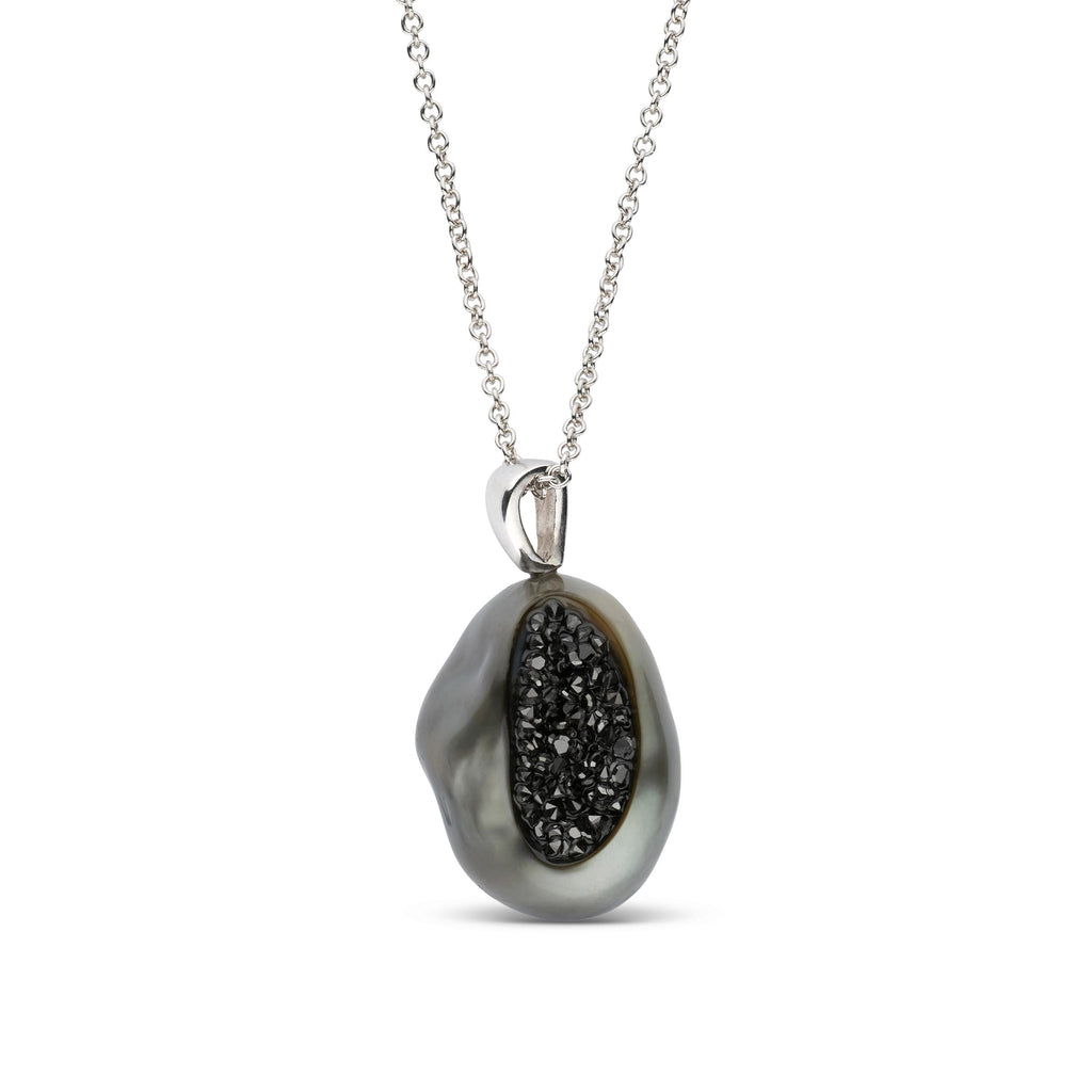 Tahitian Baroque with Black Diamond Finestrino Pendant